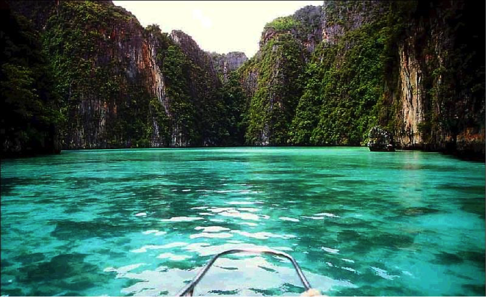 Day trips to explore the islands